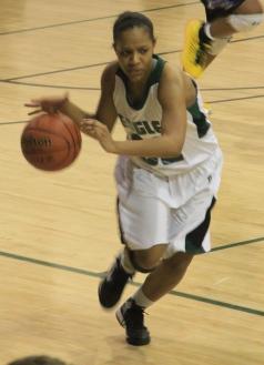 Senior Chelsi Black takes the ball down