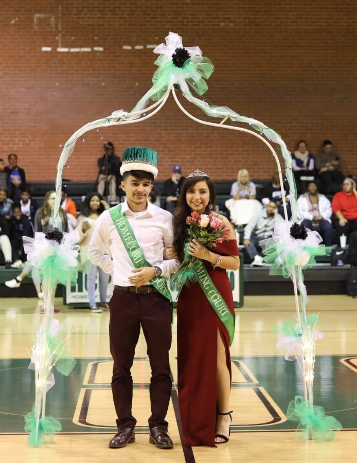 Homecoming King Hugo Mares and Queen Amy Barron.